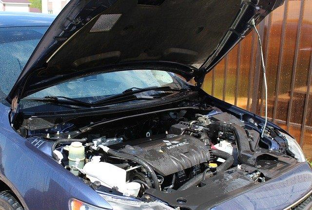 Does AutoZone install batteries for free